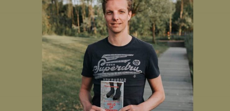 Peter Kroezenga, keeper van vv Glimmen schreef boek